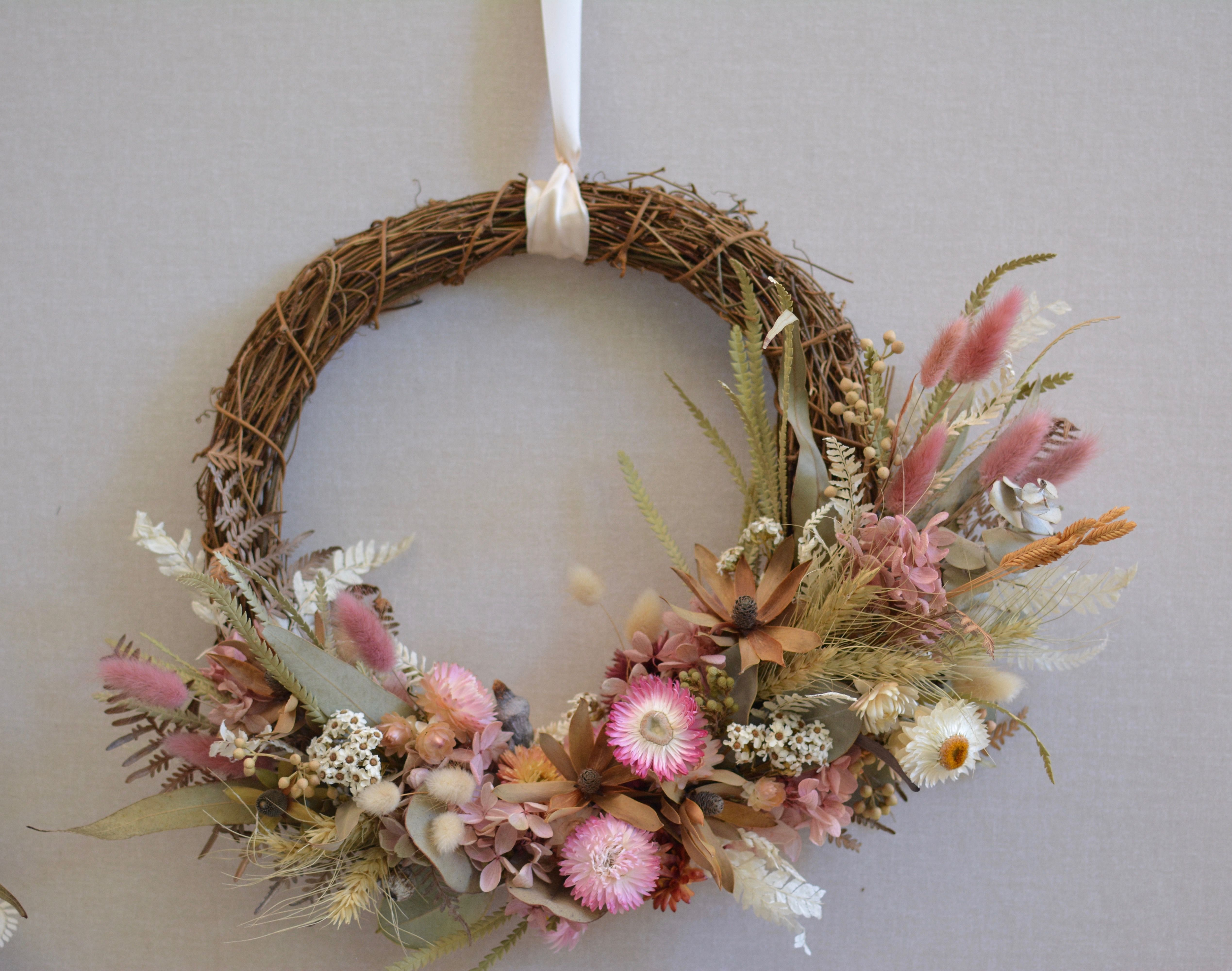 Long Lasting Preserved Dried Flower Wreath How To Preserve Flowers Flower Delivery Flower Wreath