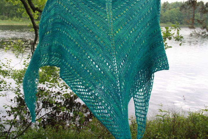 Janine Pretty basic easy knitted shawl pattern | shawl by 三家 まみ ...