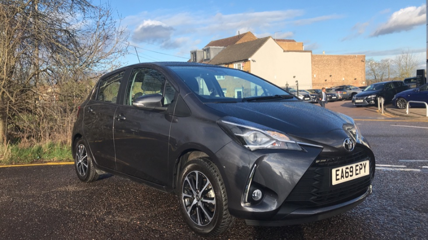 This Weeks Car Of The Week Is This 2019 Toyota Yaris Only 13 191 Or 215 58 Per Month 3 123 Miles 1 5 L Manual Find Out More Here Or In 2020 Yaris Used Toyota Toyota