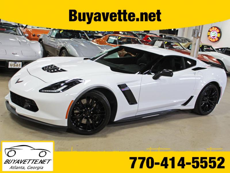 2018 Arctic White Chevy Corvette Coupe In 2020 Chevy Corvette For Sale Corvette Chevy Corvette