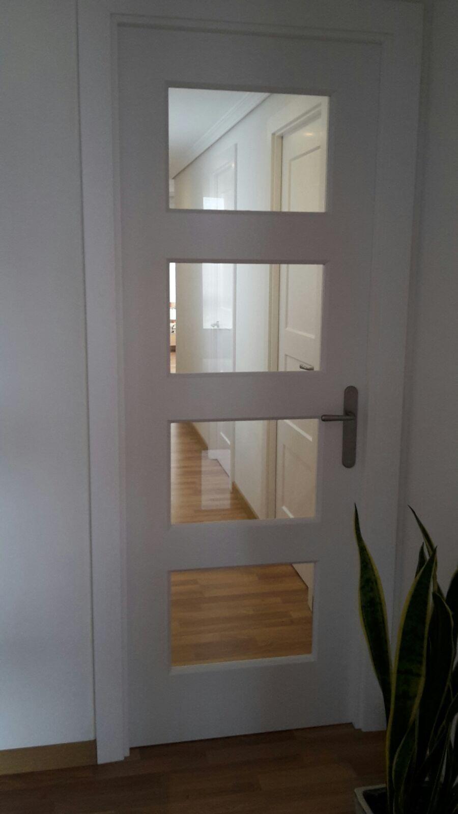 Bosco v4 lacada en blanco con cristal transparente con - Puertas interior cristal ...