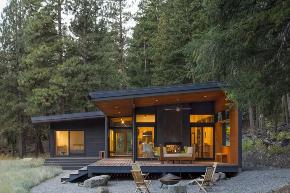 this midcentury modern inspired cabin offers a cozy on modern cozy mountain home design ideas id=72588