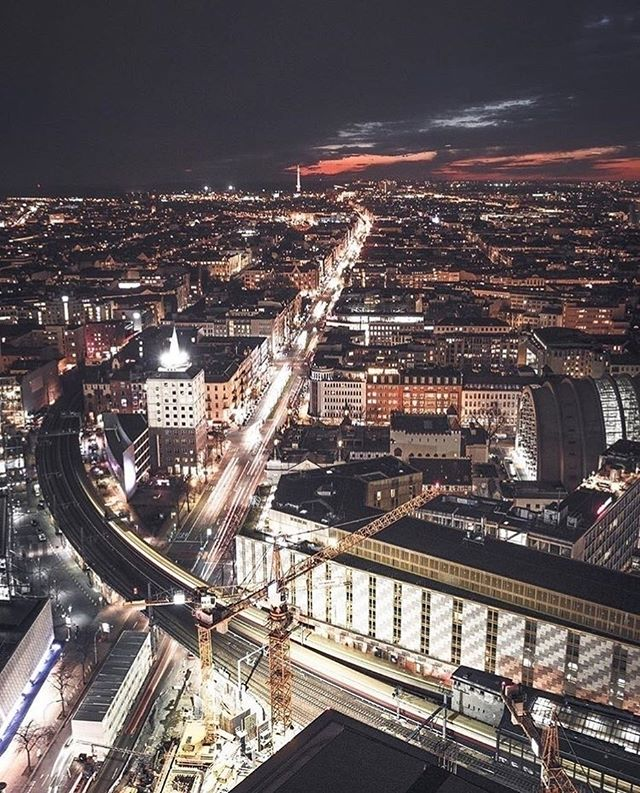 Kantstrasse Berlin Charlottenburg Berlin Bei Nacht Berlin Stadt Berlin