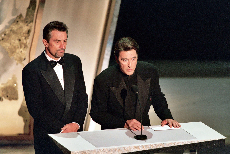 67th Academy Awards (March 27, 1995) - Robert De Niro and ...