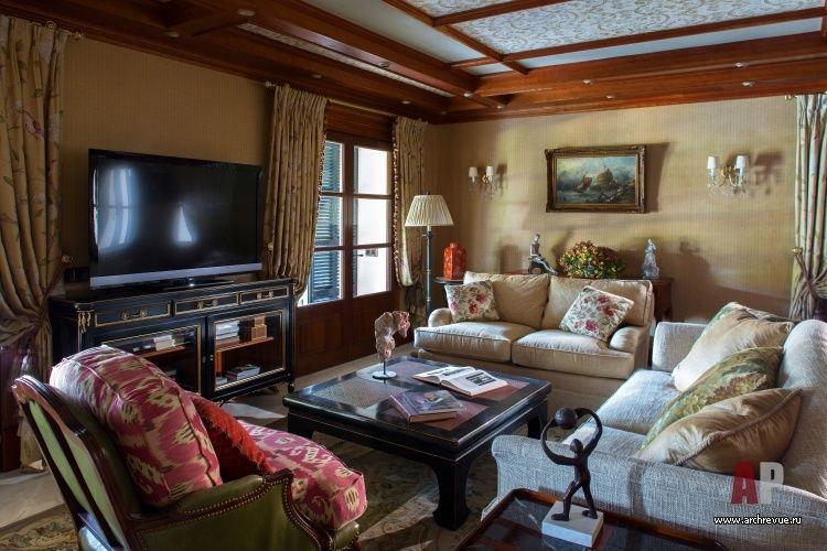Фото интерьера гостиной дома в классическом стиле (с ...