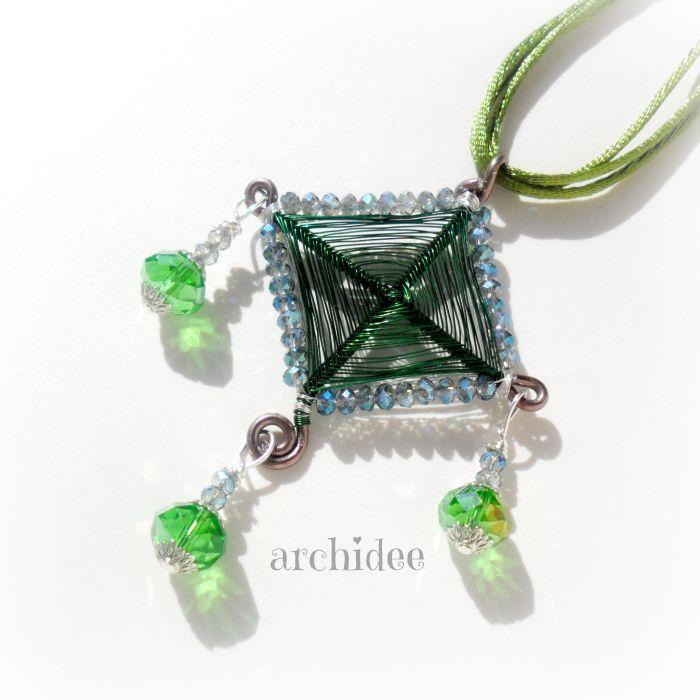 Tecnica Wire Ciondolo Ojo De Dios L'ojo de Dios o occhio di Dio è un amuleto religioso che in Messico...