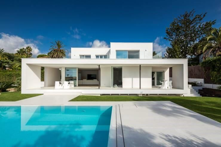 Traumhaus modern mit pool  Modernes Traumhaus ganz in Weiß | Architecture Details | Pinterest ...