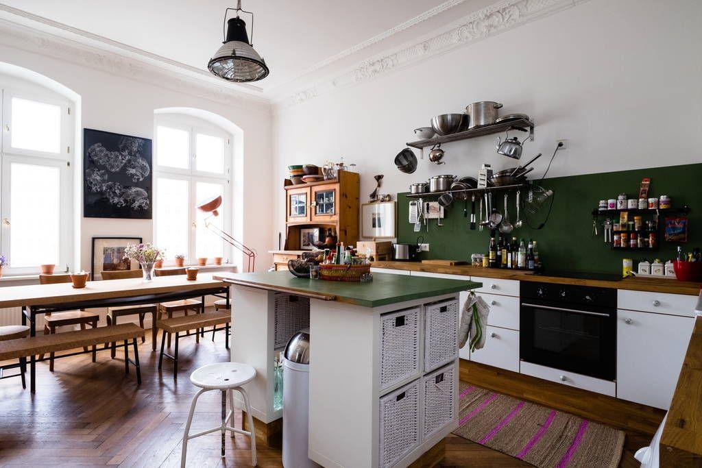 Airbnb Apartment Berlin - chalkboard wall, cork table, hardwood