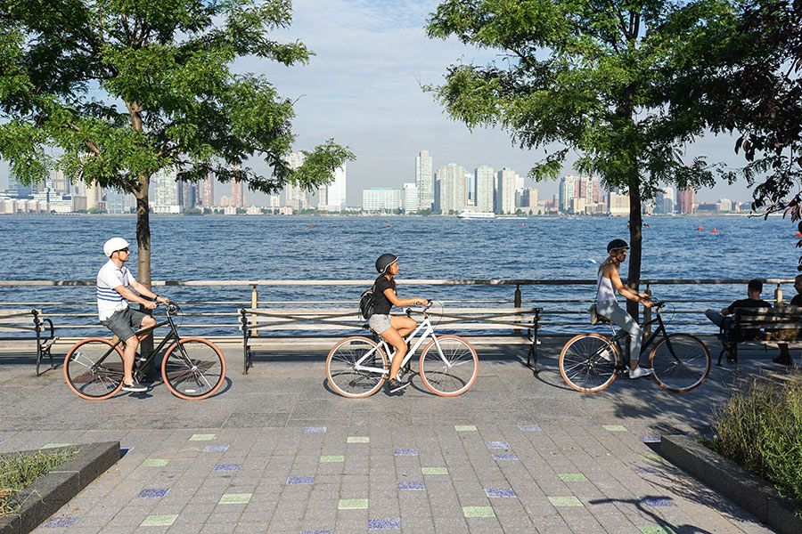 Get to Know NYC by Bike - Best Routes to Hit This Summer