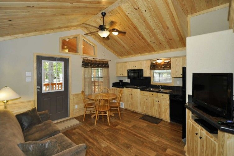 Lake Conroe Cabins Stowaway Marina Vacation Rentals Cabins And Cottages Lake Cabins Cabin