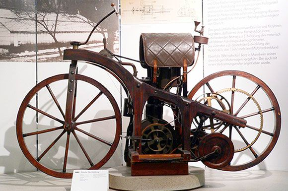 Aug 30 1885 Daimler Gives World First True Motorcycle