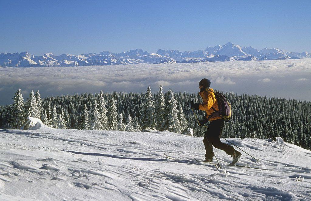 Metabief Mont D Or Pour Profiter Des Joies Des Montagnes Du Jura Metabief Vacances Montagne Stations De Ski