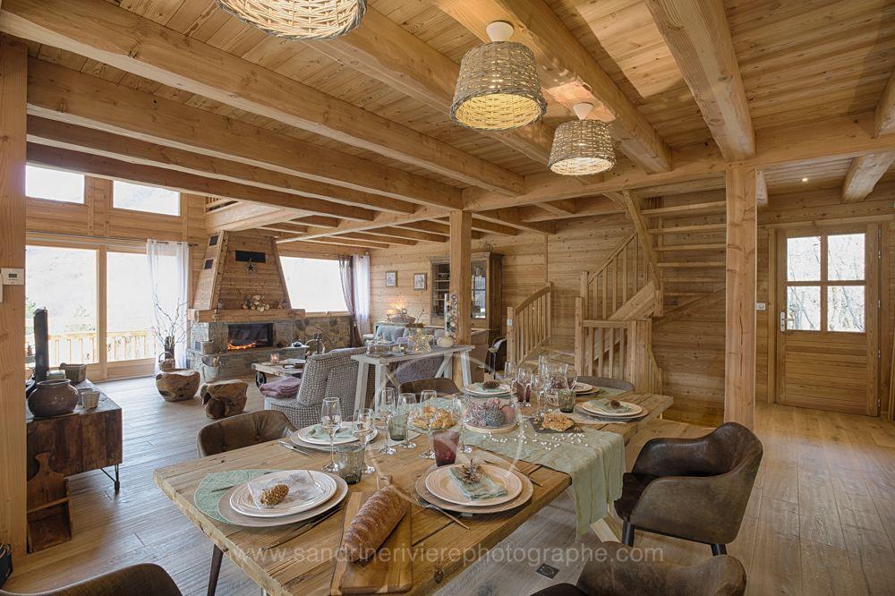 table de f te dans un chalet lombard vasina grande pi ce vivre pour passer de bons m. Black Bedroom Furniture Sets. Home Design Ideas