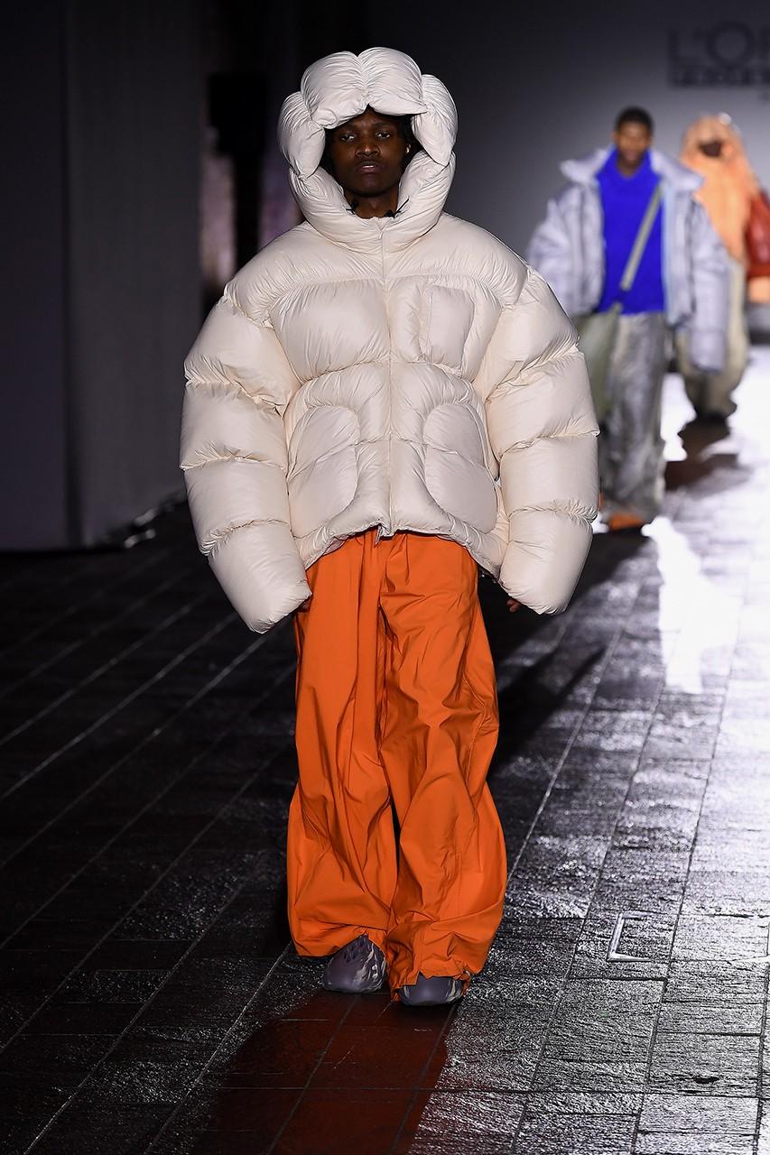 Csm Student Designer Ding Yun Zhang Debuted Custom Yeezy Foam Runners At Lfw Futuristic Fashion Fashion High Fashion Street Style [ 1280 x 853 Pixel ]