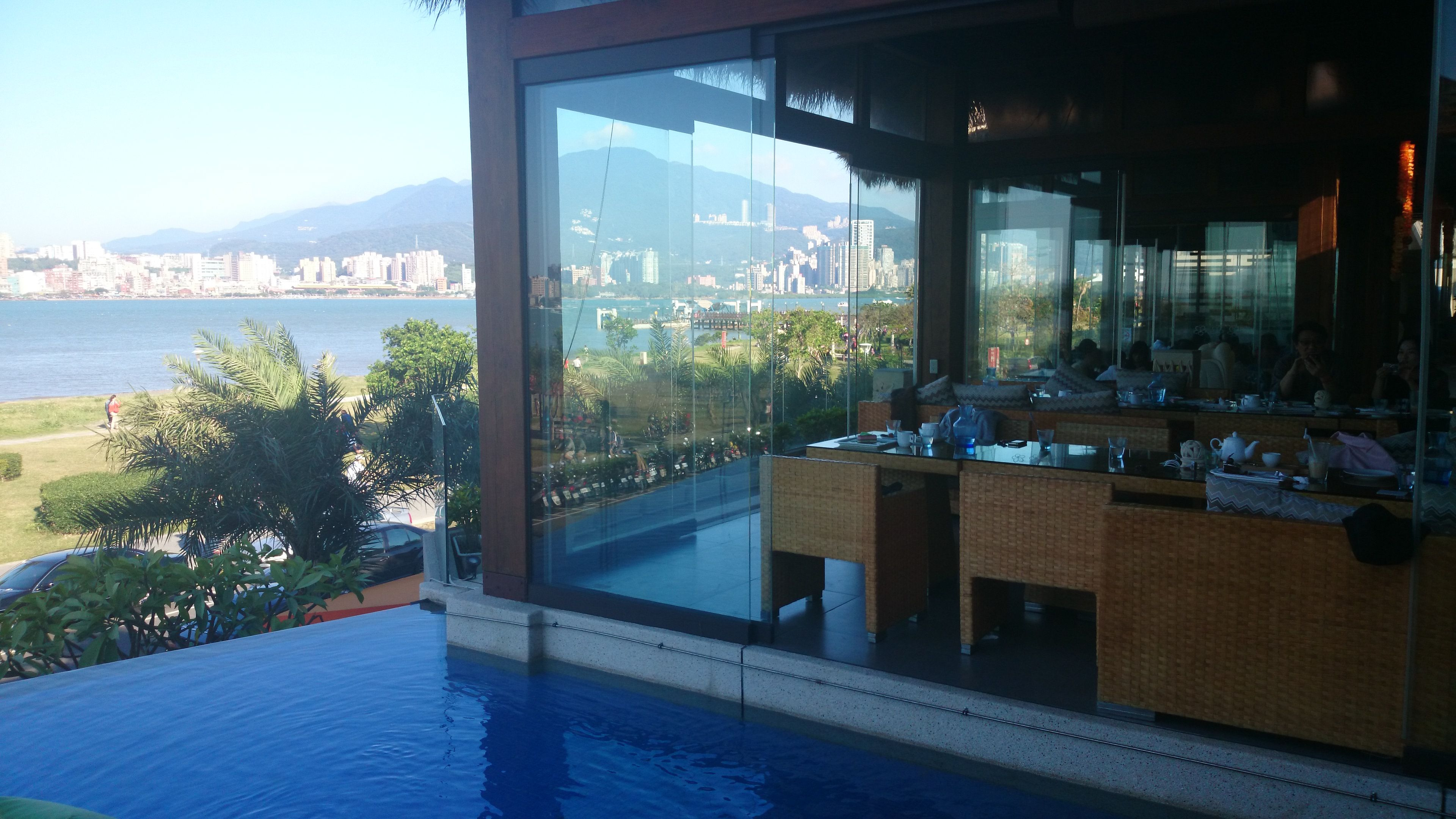 臺北-八里 / BALI 水岸四季景觀餐廳   House styles, Outdoor decor, Mansions