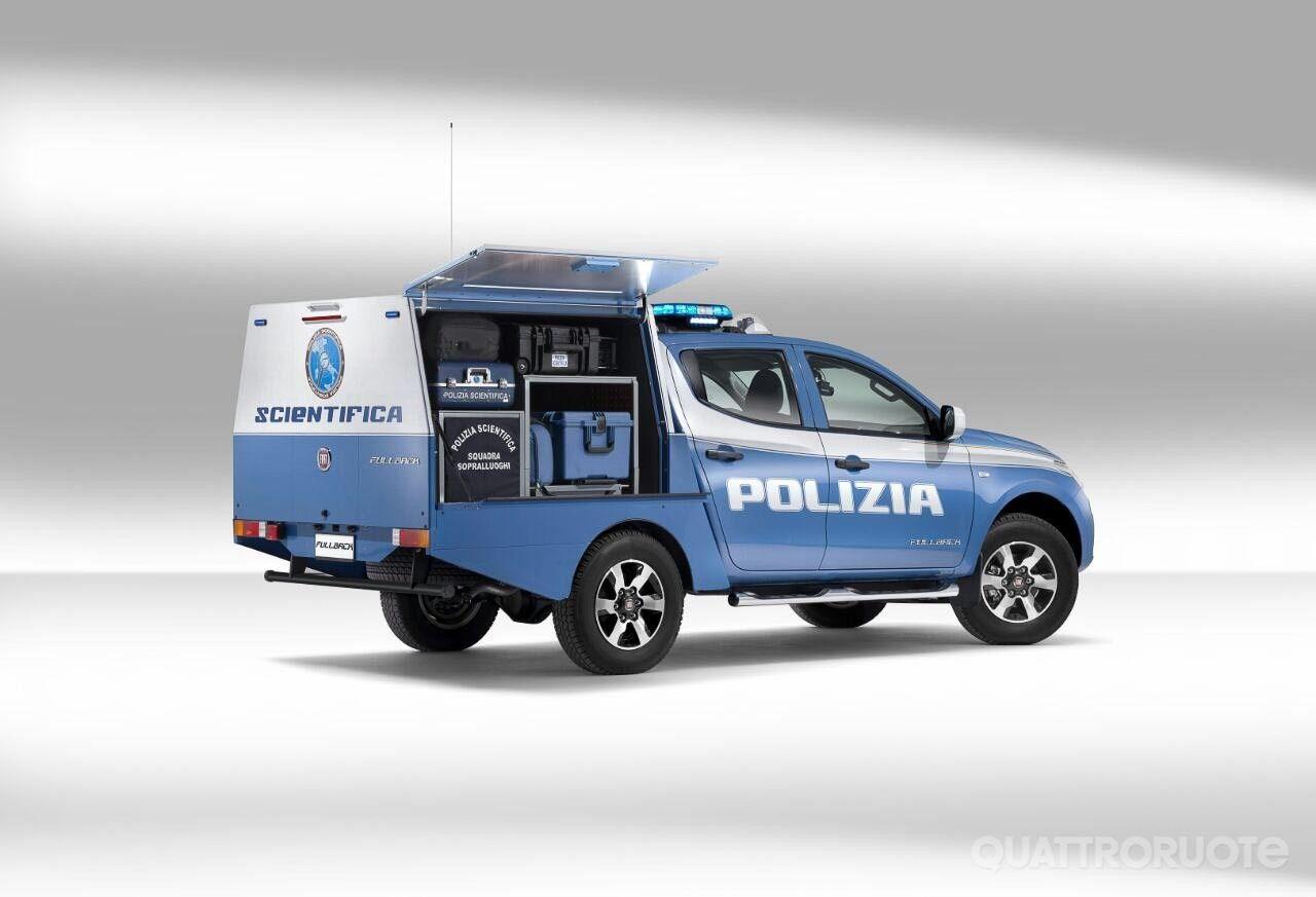 Fiat Un Fullback Per La Polizia Scientifica Quattroruote It Polizia Auto Della Polizia Polizia Di Stato