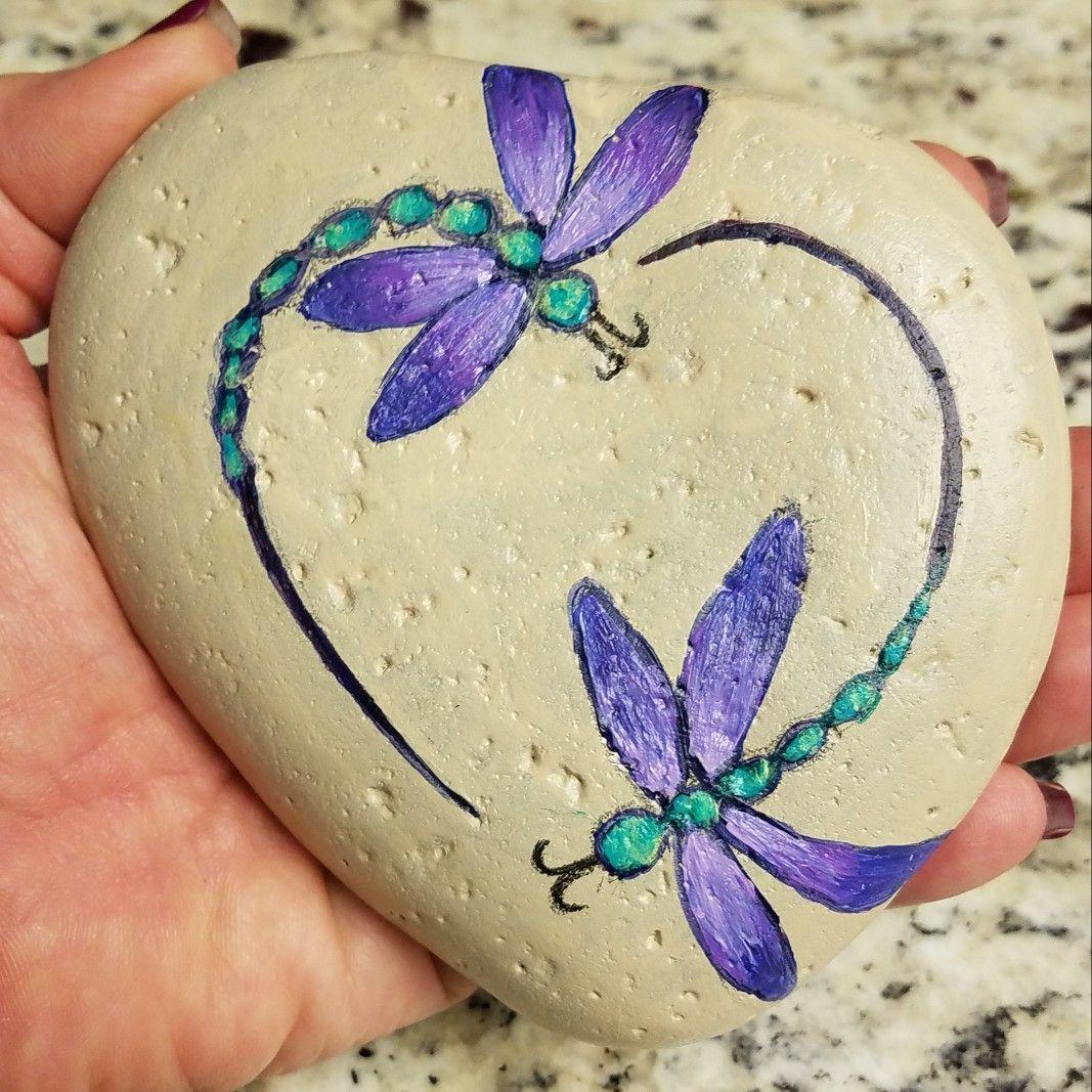Painted stone Dragonflies - heart #bemaltekieselsteine