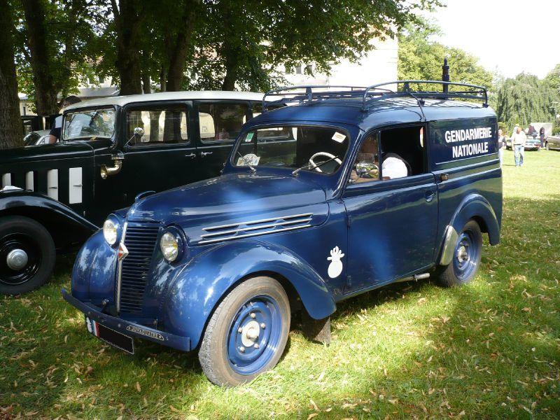 Renault juvaquatre juva 4 pinterest police vehicule et voitures - Garage citroen lons le saunier ...
