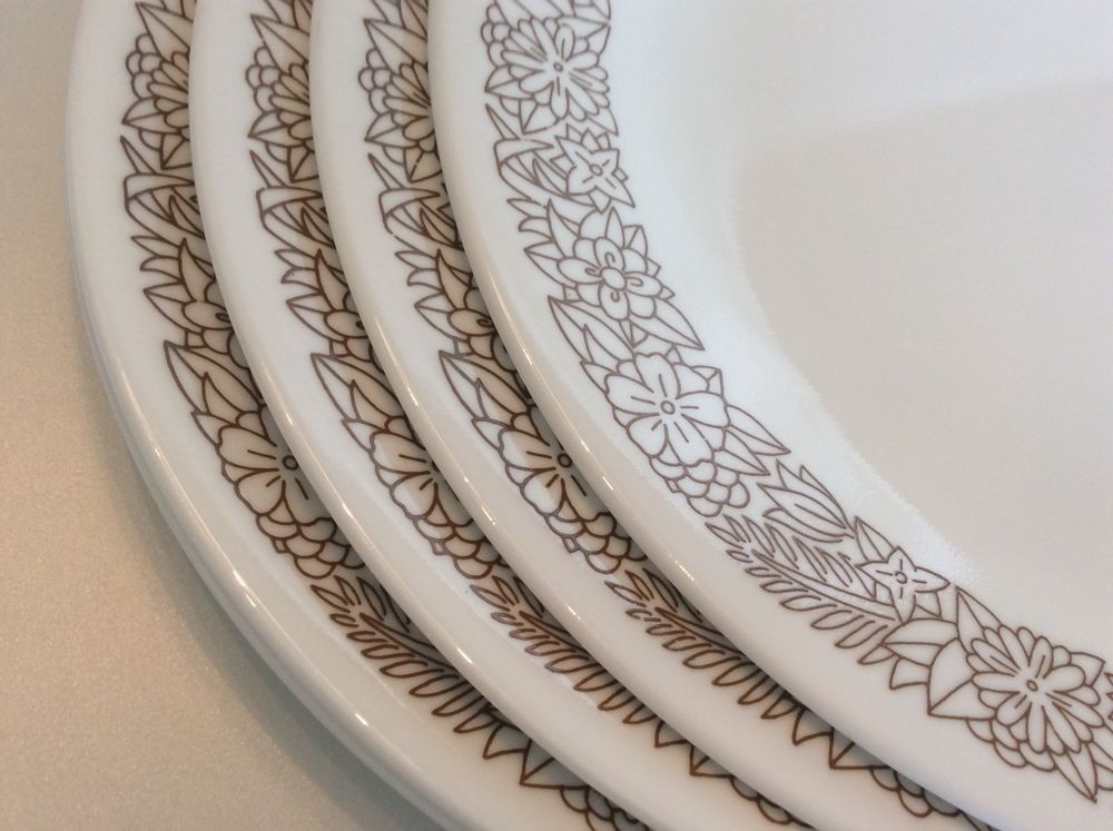 Corelle WOODLAND BROWN Dinner Plates 1 Set Of 4 10.25\