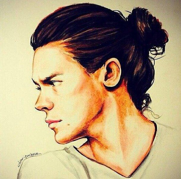 Harry Styles Has Had A Pretty Strong Hair Evolution And This Is How You Can Follow It B Wh Harry Styles Frisur Harry Styles Mode Harry Styles Lange Haare