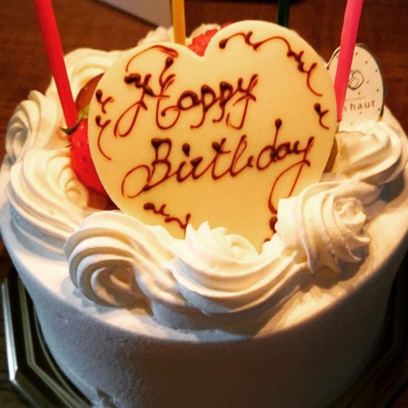 41歳になりました 健康第一で頑張りまっす 皆様優しくしてね 誕生日 誕生ケーキ アンオー Enhaut クレープ Crepe いちご Lafraise ラフレーズ Instagram Posts Food Cake