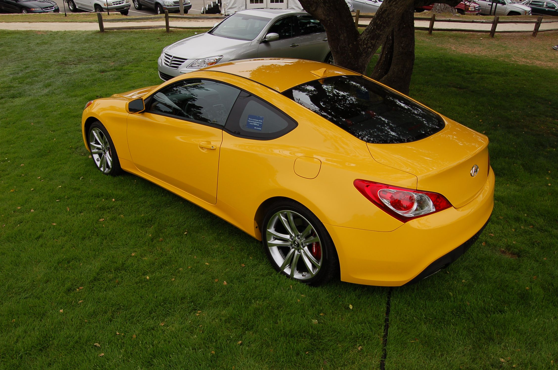 Yellow hyundai genesis coupe 333 hp yellow hyundai pinterest hyundai genesis coupe hyundai genesis and coupe