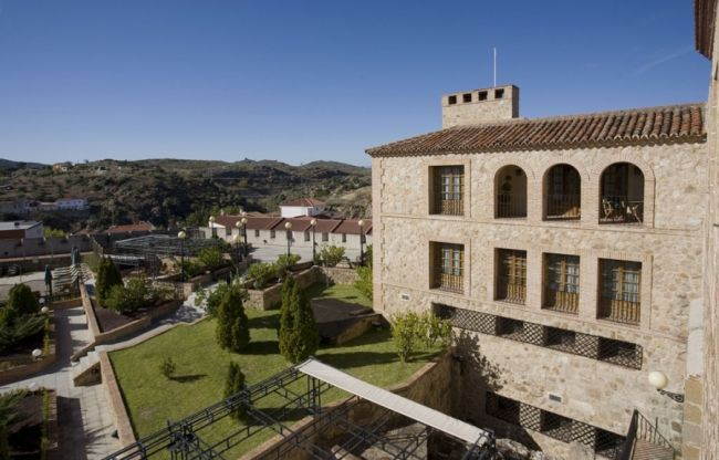 15 Parador Hotels in Spain for your Destination Wedding Image: 7