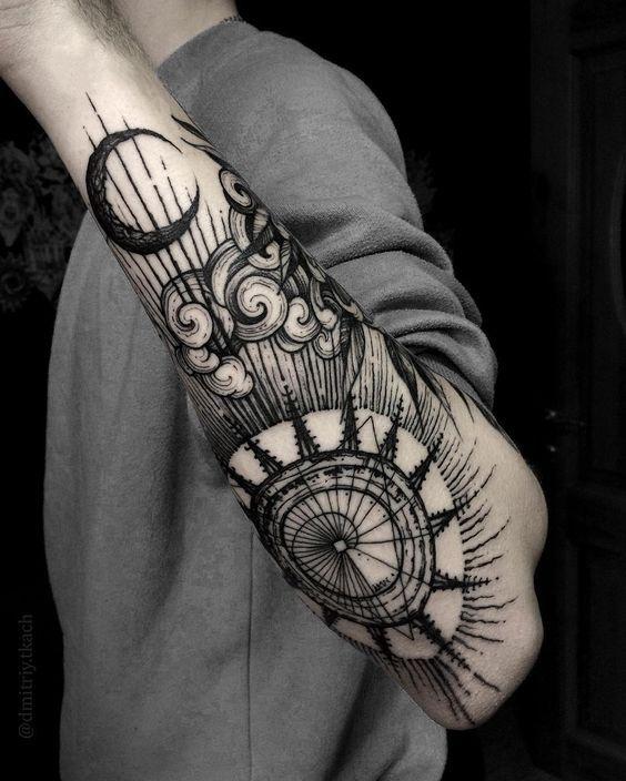 Amazing Moon Tattoo Men Sorprendente Tatuaje En Brazo Men