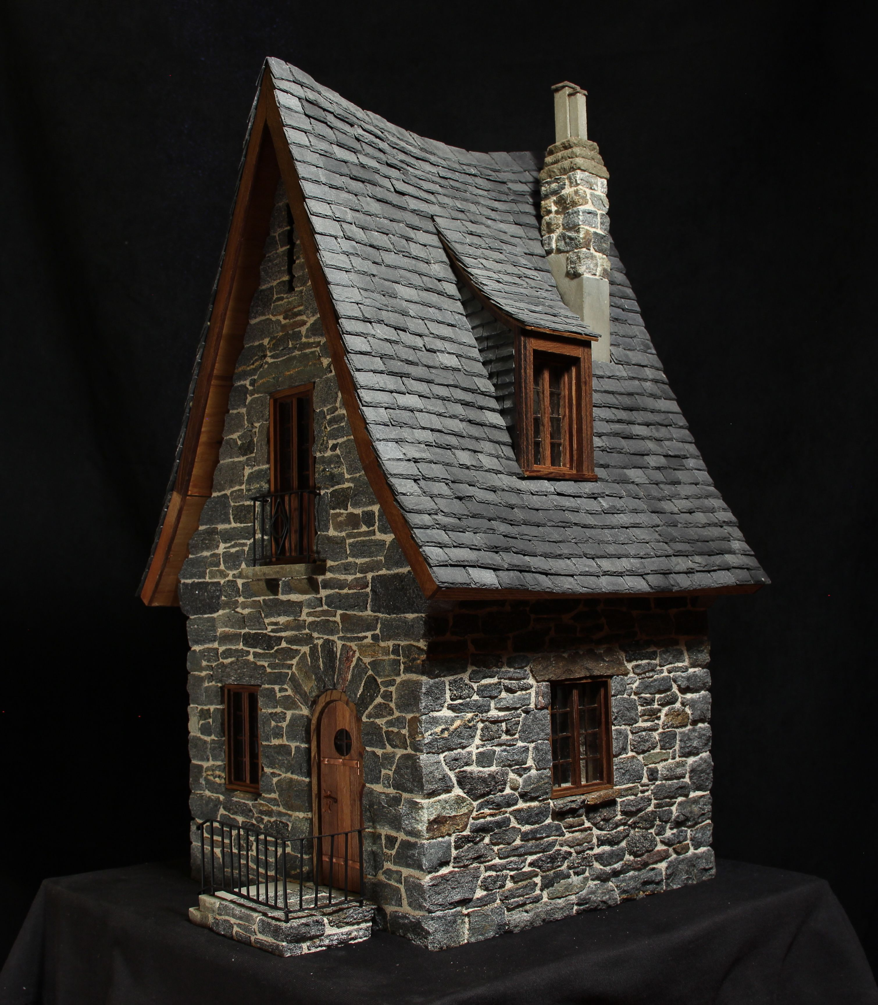 miniature stone cottage ideias p. Black Bedroom Furniture Sets. Home Design Ideas