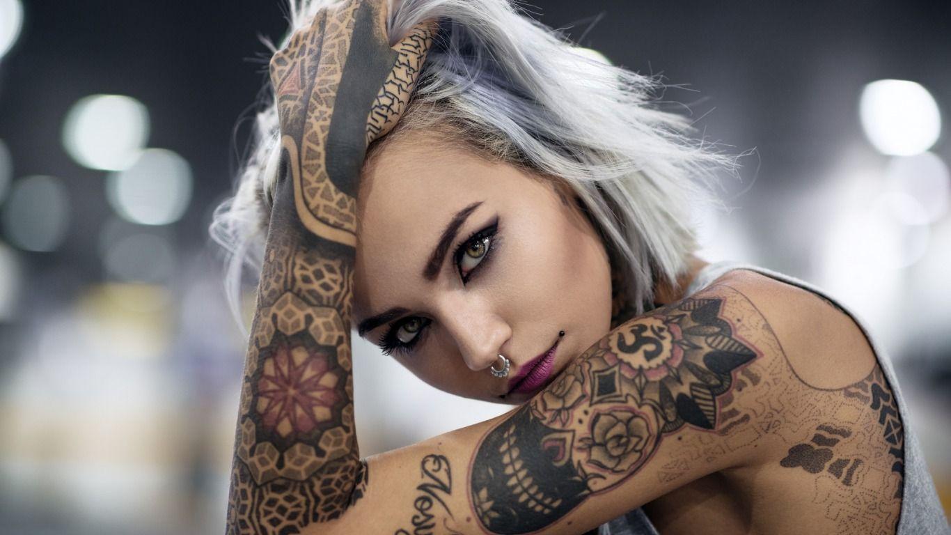 Девушки в татуировках фотки