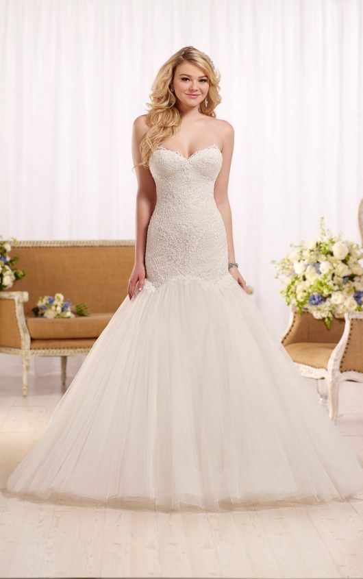 Fit and flare wedding dress with sweetheart bodice | wedding ideas ...