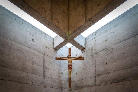 San Alberto Magno Chapel, Valparaíso, Chile/ Juan Pavez Aguilar + José Requesens Aldea © Marcelo Cáceres A.