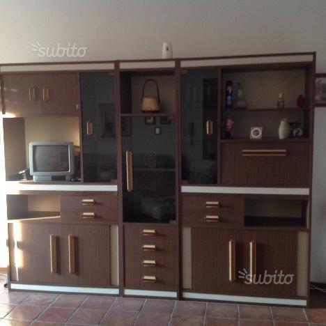 Photo of libreria-soggiorno