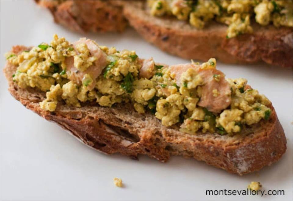 Mira qué fácil y caprichoso es incorporar algas y tofu a la dieta: http://bioespacio.com/blog/index.php/revoltillo-de-tofu-con-maiz-y-wakame/  Receta de Montse Vallory con productos de Biospace.