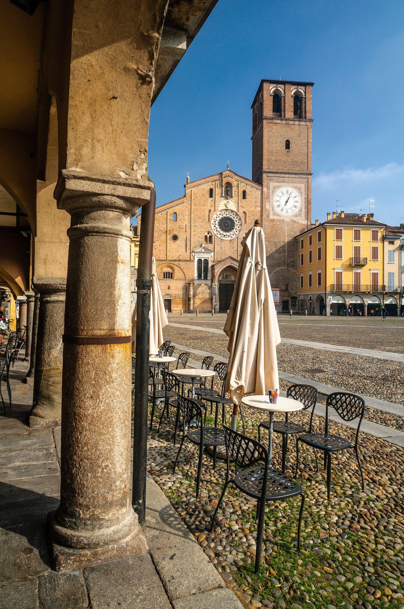 https://flic.kr/s/aHsjvrQsEG | Lodi - Piazza della Vittoria | REGIONE LOMBARDIA | ITALY