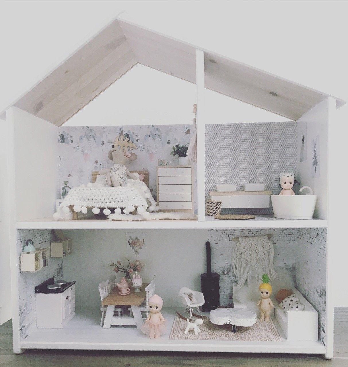 Nieuw: poppenhuis van de maand! Gastblogger Annemieke schrijft over ...