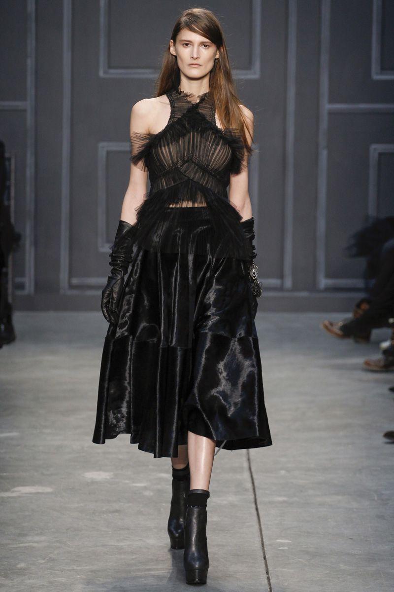 Wang vera fall runway review advise dress in summer in 2019