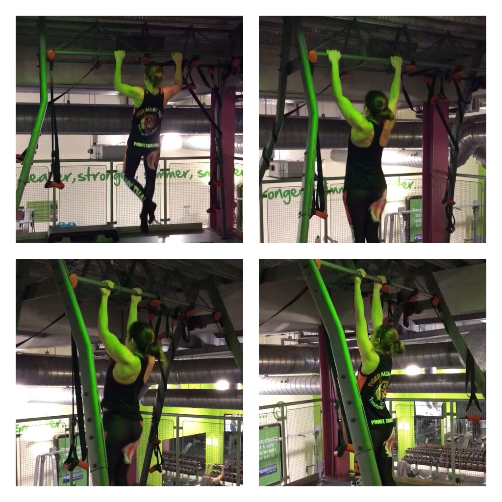 Pull ups wide grip and under grip with @laurenp0506