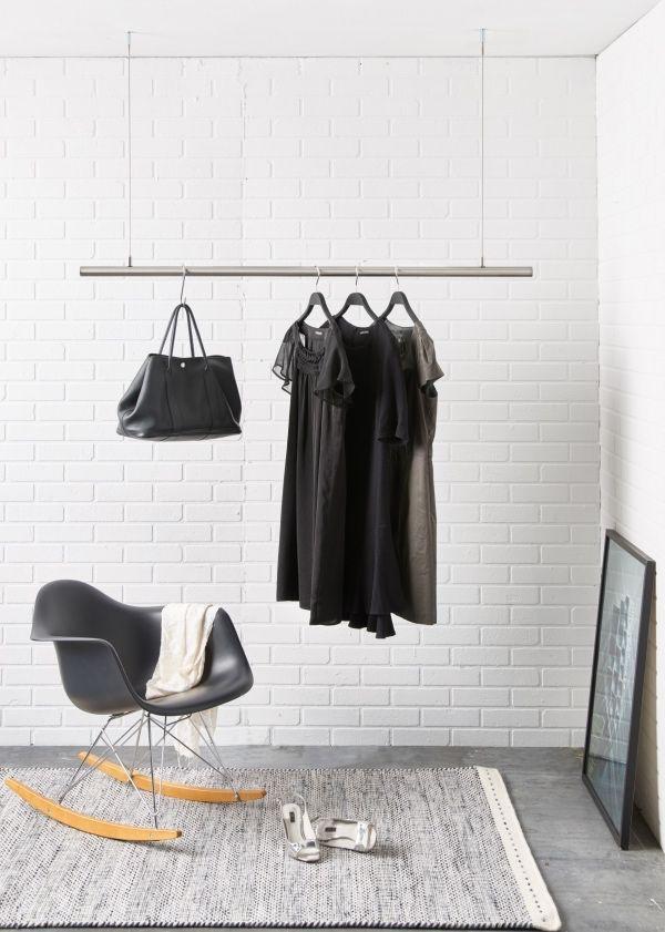 kleiderstange von der decke wohn design. Black Bedroom Furniture Sets. Home Design Ideas