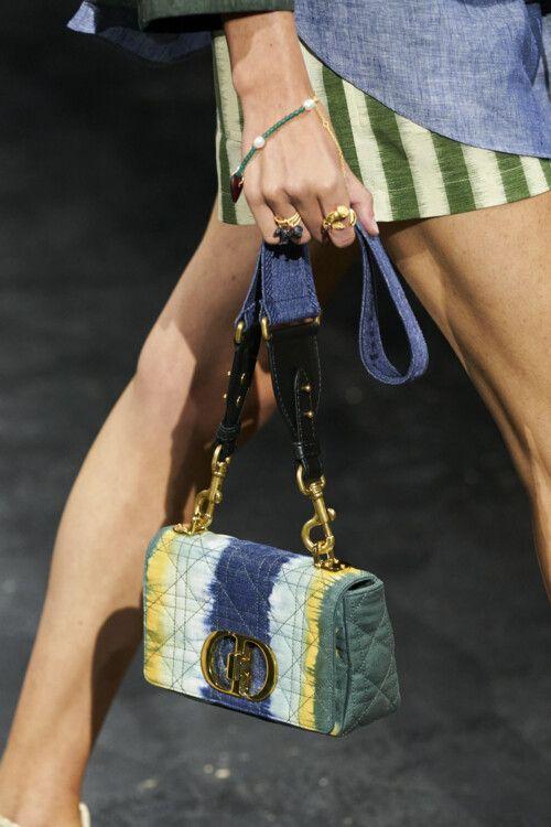 Модные сумки весна-лето 2021: стильные фасоны с фото