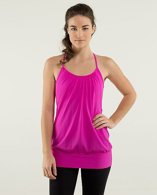 fc9c451865 Flattering Fitness Tops That Hide a Belly