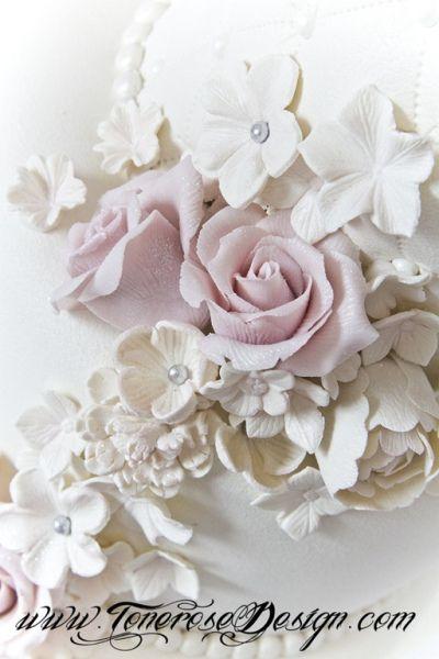 Bryllupskaken og kakebordet (Min lille rosa boble...)
