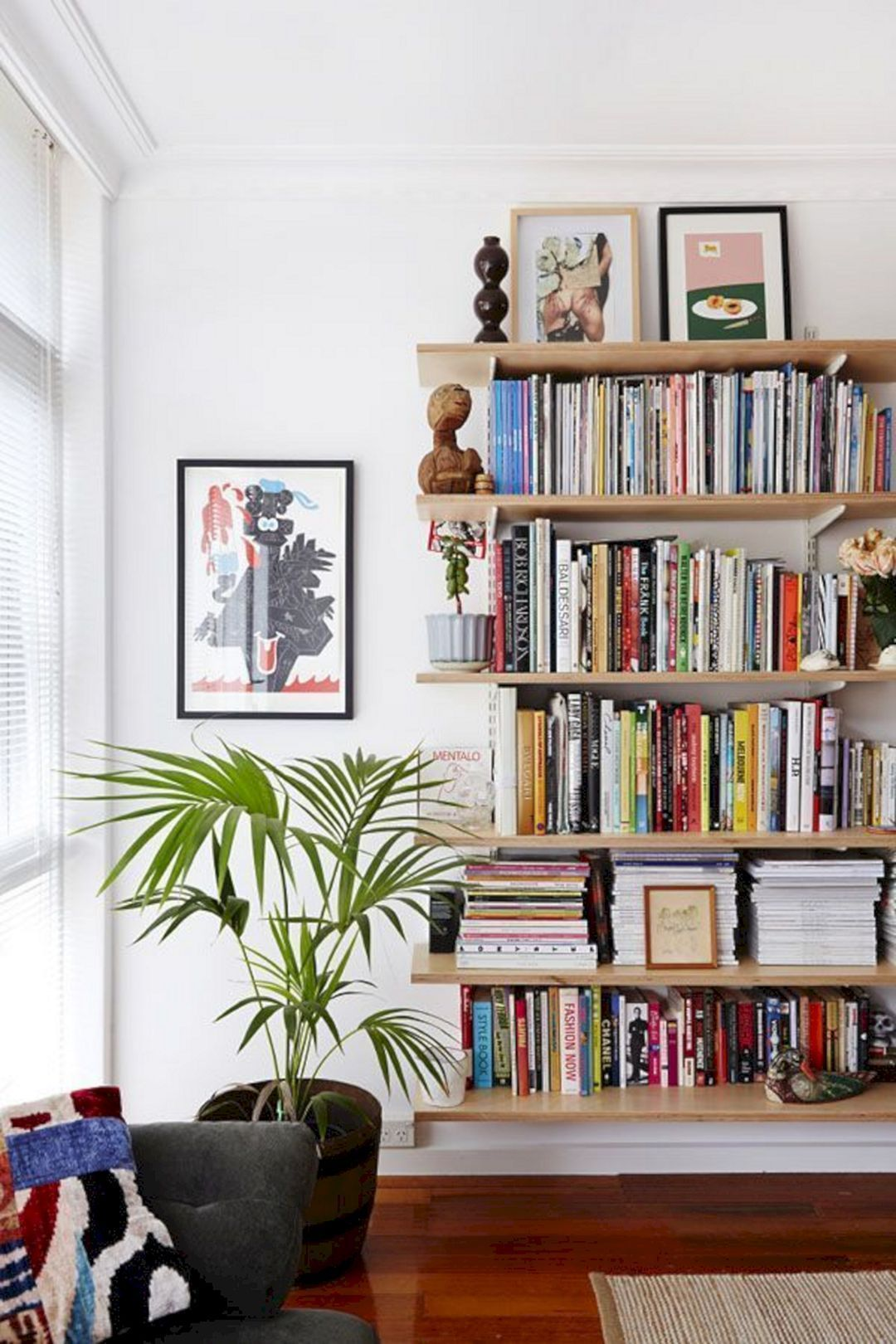 Sitting Area With Bookcase Design (2) | Bookshelves in ...