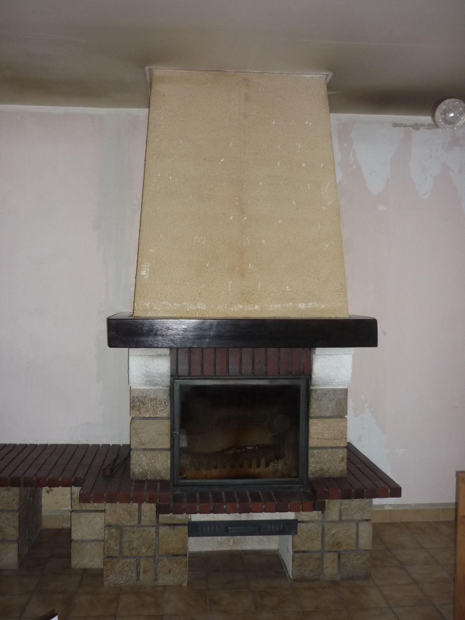 R novation chemin e chemin e en brique relooking - Peinture pour hotte de cheminee ...