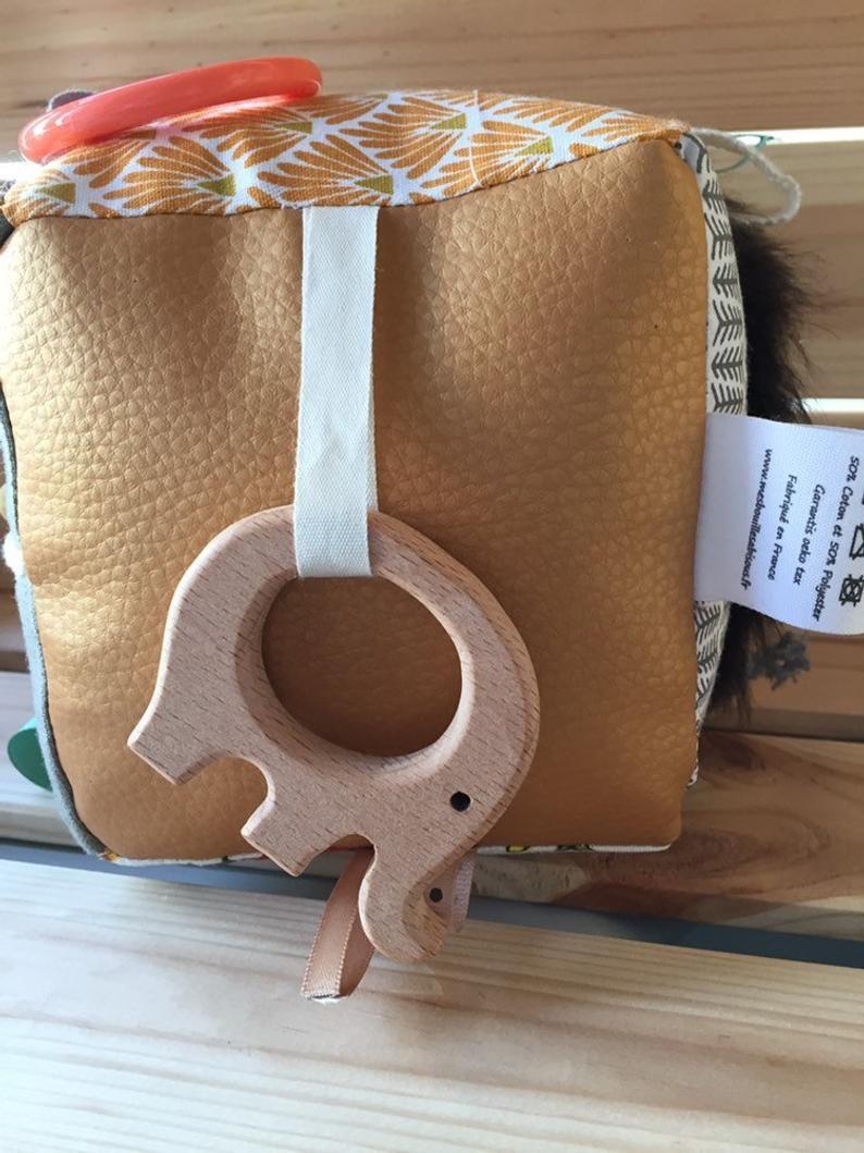 Inspiration Montessori multisensory ring wood elephant
