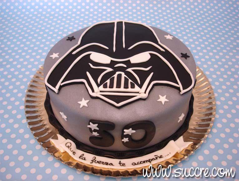 m jos me pidi esta tarta de darth vader de la saga de star wars para uc