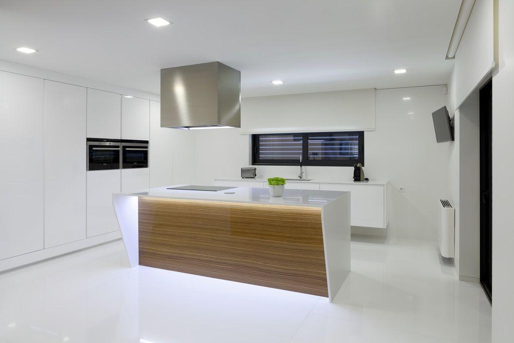 Cuisine Design Et Minimaliste (Compac Quartz Blanc Absolut