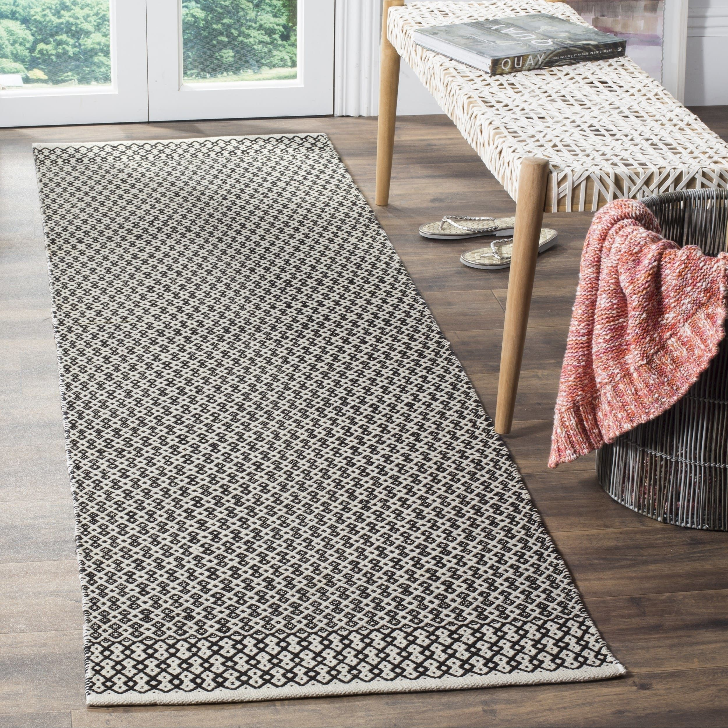 Safavieh Montauk Transitional Geometric Hand Woven Cotton Ivory Black Runner Rug 2