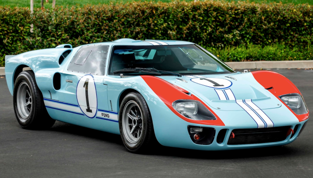 A Ford Gt40 Replica That Starred In Ford V Ferrari Is Heading To