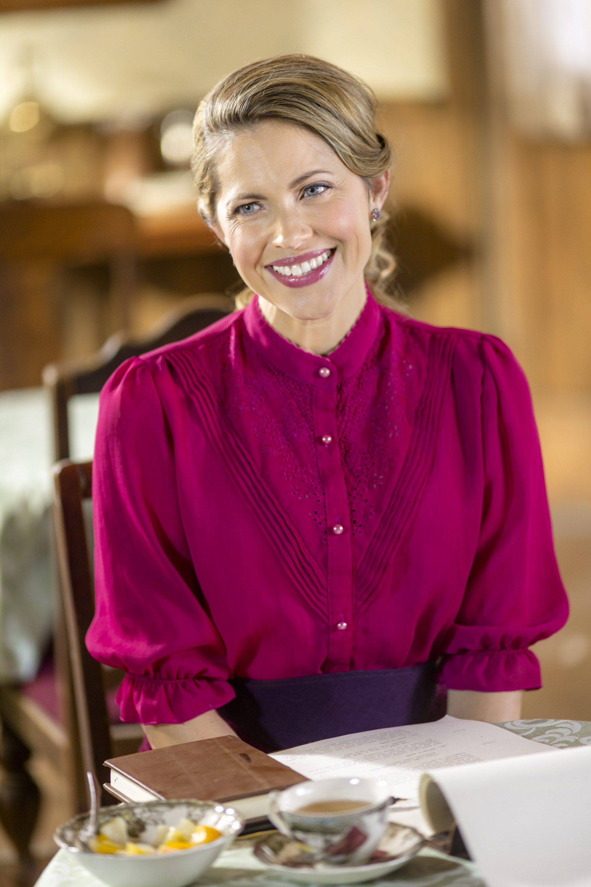 Interview: Pascale Hutton | Where calls the heart, Heart clothes ...